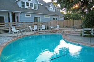 Inn at Corolla on site pool